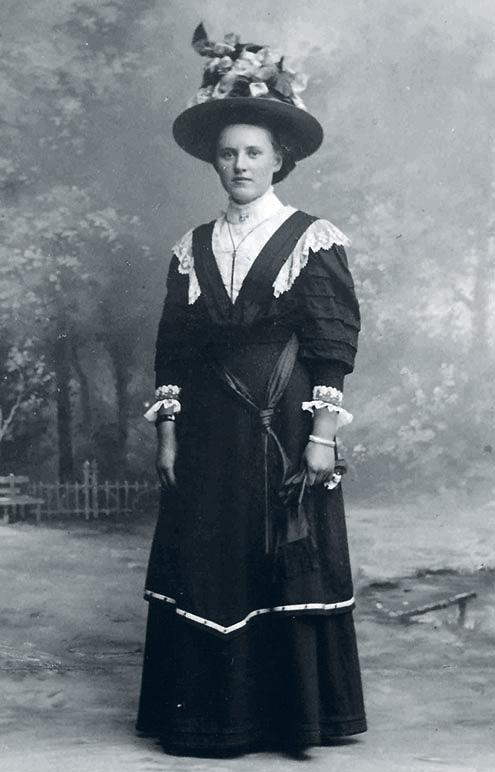1908Trienportrait aged17