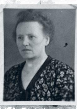Trien identity card from Ravensbrück 1943-45 (front)
